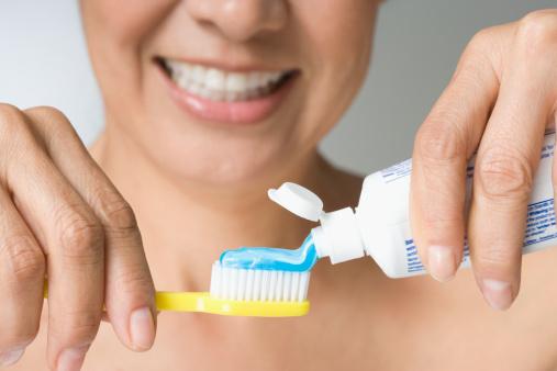 tinkama burnos higiena